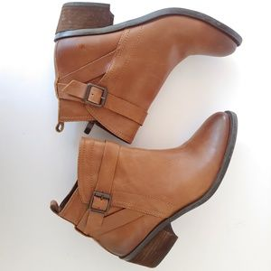 Vince Camuto. Ankle tan beamer boots.